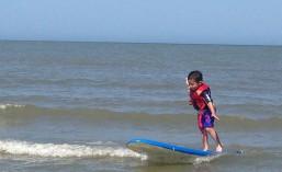 Lil surfer
